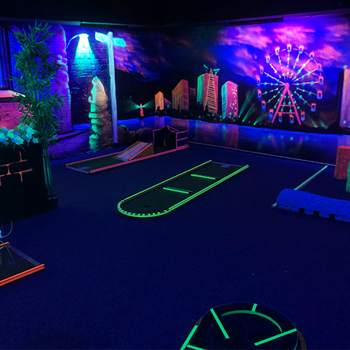 Blacklight indoor Golf